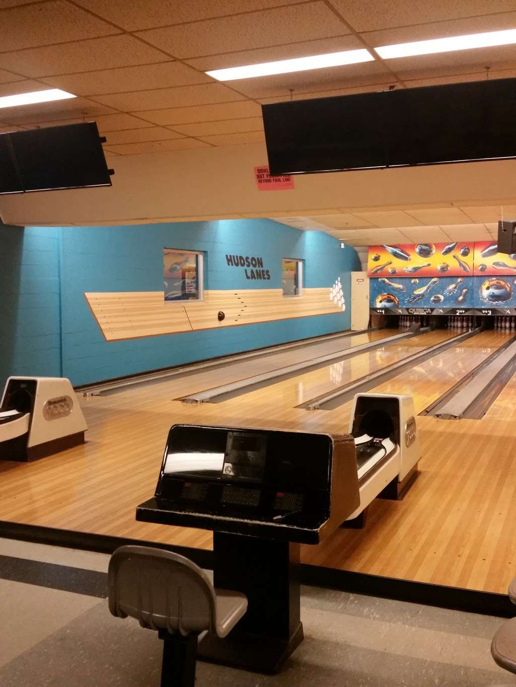 Hudson Lanes - bowling alley  | Photo 10 of 10 | Address: 1 Garfield Ave, Jersey City, NJ 07305, USA | Phone: (201) 432-5900