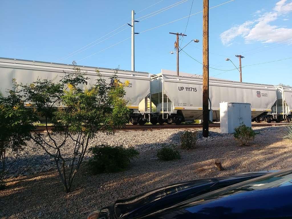Amazon FLEX UAZ1 - storage  | Photo 4 of 10 | Address: 500 S 48th St, Phoenix, AZ 85034, USA | Phone: (888) 281-6901