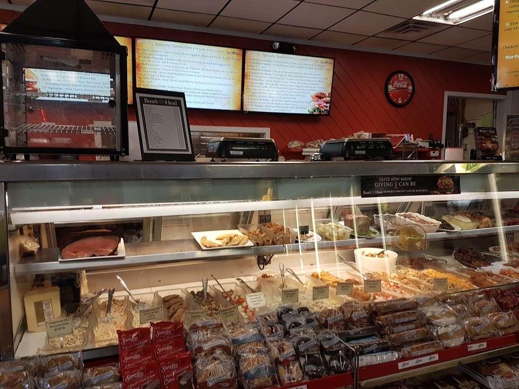 Hometown Deli & Pizzeria - restaurant  | Photo 6 of 10 | Address: 812 NY-52, Fishkill, NY 12524, USA | Phone: (845) 896-9730