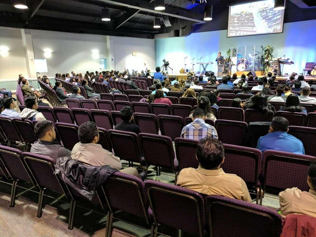 Iglesia El Siloe - church  | Photo 2 of 10 | Address: 5420 Kimmerly Glen Ln, Charlotte, NC 28215, USA | Phone: (704) 502-4444