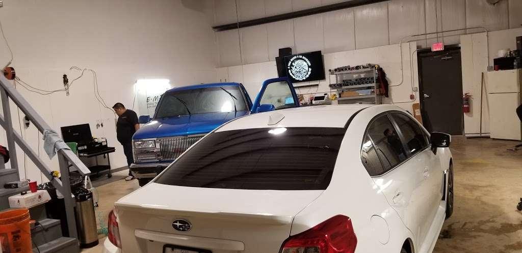 EMJ WINDOW TINT SPECIALISTS - car repair  | Photo 4 of 10 | Address: 2291 Cornell Ave, Montgomery, IL 60538, USA | Phone: (224) 318-6134