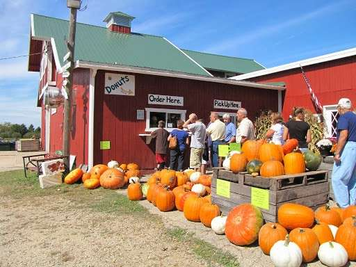 Harvest Time Orchards - bakery    Photo 4 of 10   Address: 36116 128th St, Twin Lakes, WI 53181, USA   Phone: (262) 877-4831