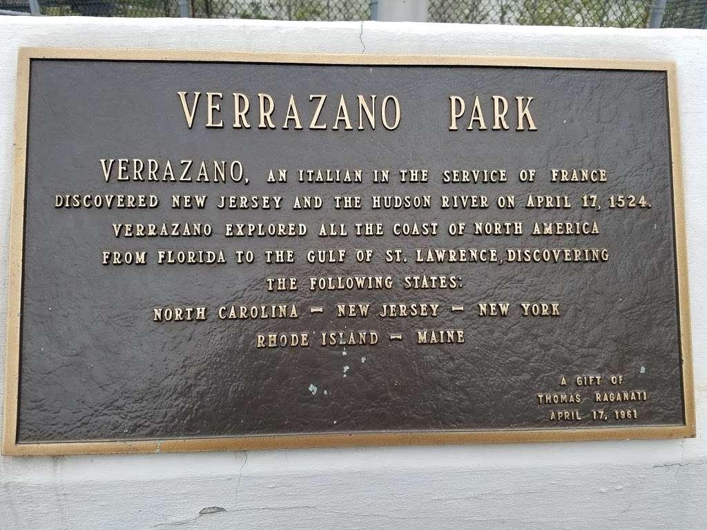 Verrazano Park - park  | Photo 4 of 4 | Address: 6400 John Fitzgerald Kennedy Blvd, West New York, NJ 07093, USA
