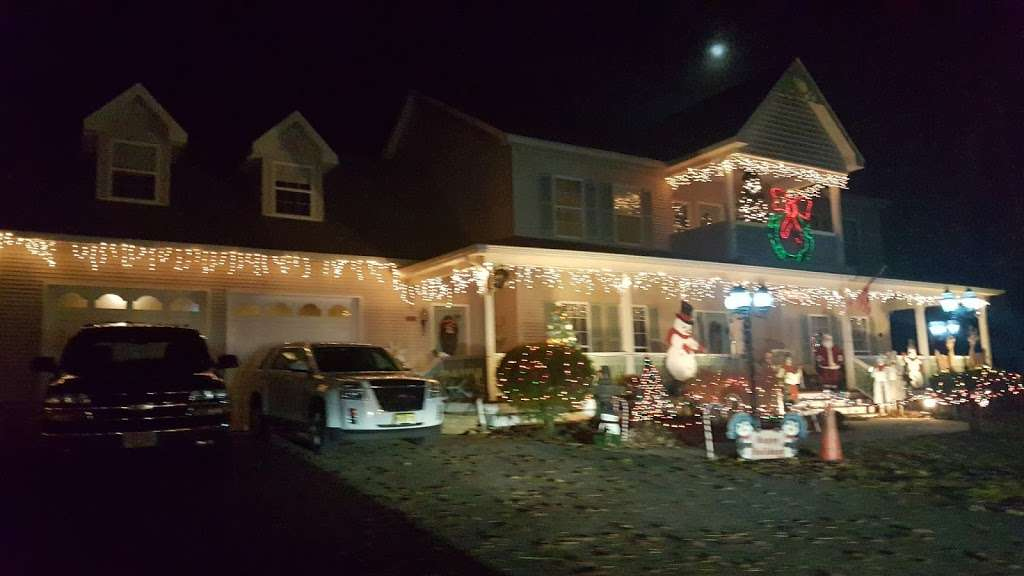 Christmas lights Drive Through - campground  | Photo 7 of 10 | Address: 2263 Vermont Ave, Toms River, NJ 08755, USA