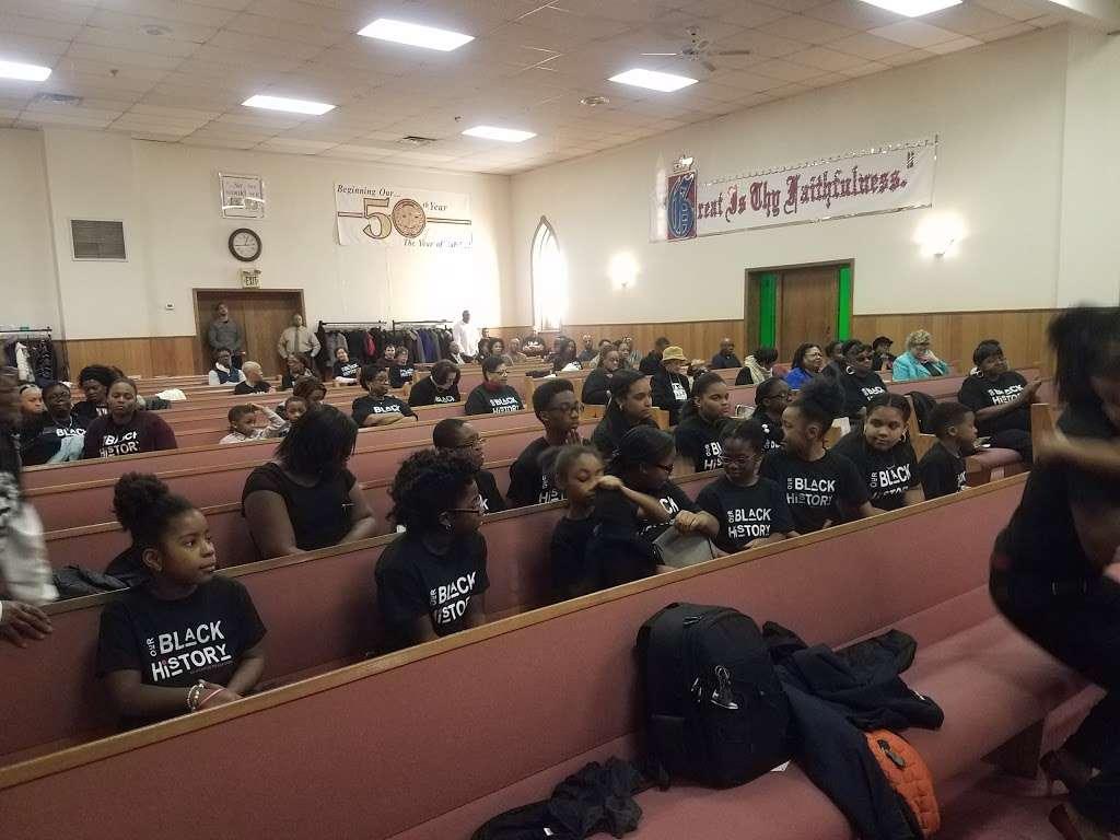 Calvary Gospel Church - church  | Photo 1 of 5 | Address: 17 Lyons Ave, Newark, NJ 07112, USA | Phone: (973) 926-3575