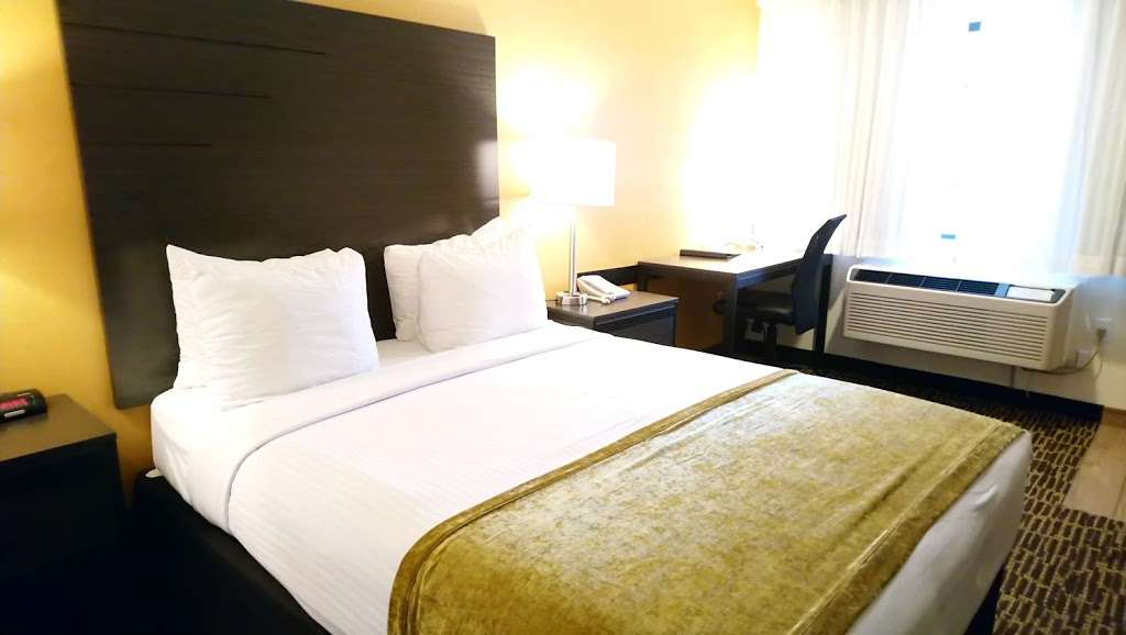 Best Western Inn - lodging  | Photo 5 of 9 | Address: 6500 Redwood Dr, Rohnert Park, CA 94928, USA | Phone: (707) 584-7435