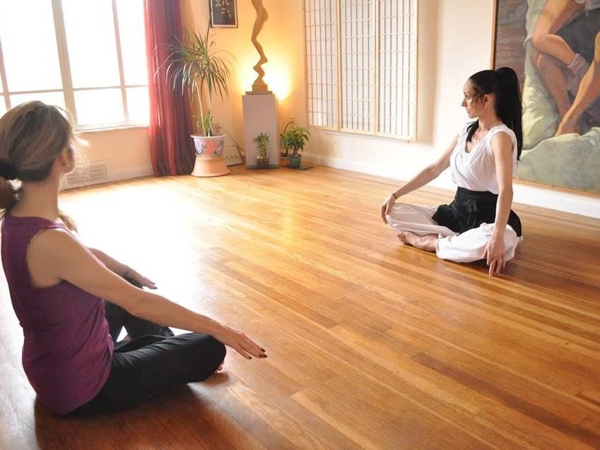 Conscious Movement/ Movimiento Consciente - health    Photo 4 of 5   Address: 71 E 214th St, Euclid, OH 44123, USA   Phone: (240) 506-1168