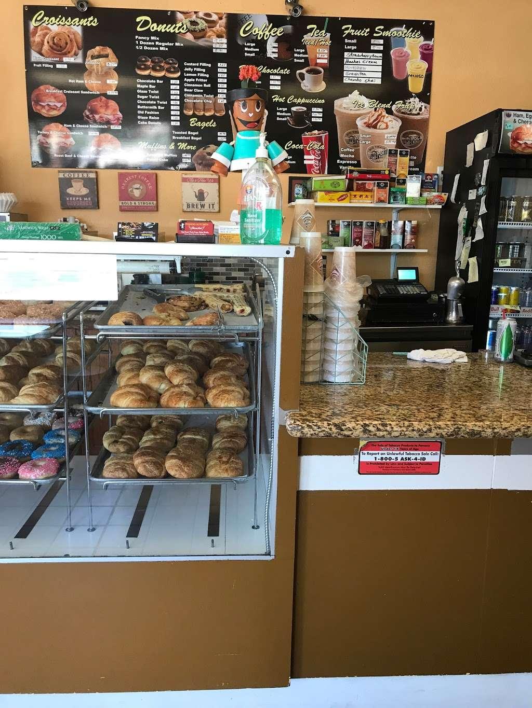 Masters Donuts - bakery  | Photo 8 of 10 | Address: 14050 Cherry Ave # Q, Fontana, CA 92337, USA | Phone: (909) 350-0911