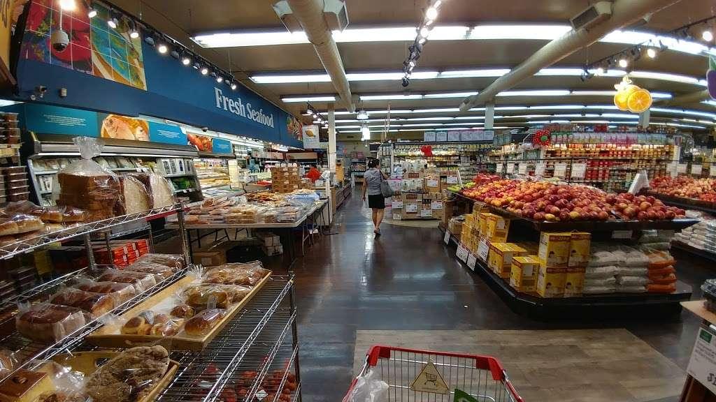H Mart Union - supermarket  | Photo 5 of 10 | Address: 29-02 Union St, Flushing, NY 11354, USA | Phone: (718) 445-5656