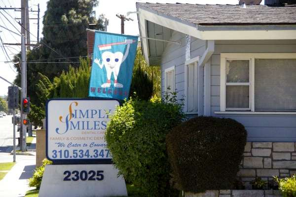 Simply Smiles Dental Care - dentist  | Photo 3 of 10 | Address: 23025 Arlington Ave, Torrance, CA 90501, USA | Phone: (310) 534-3477