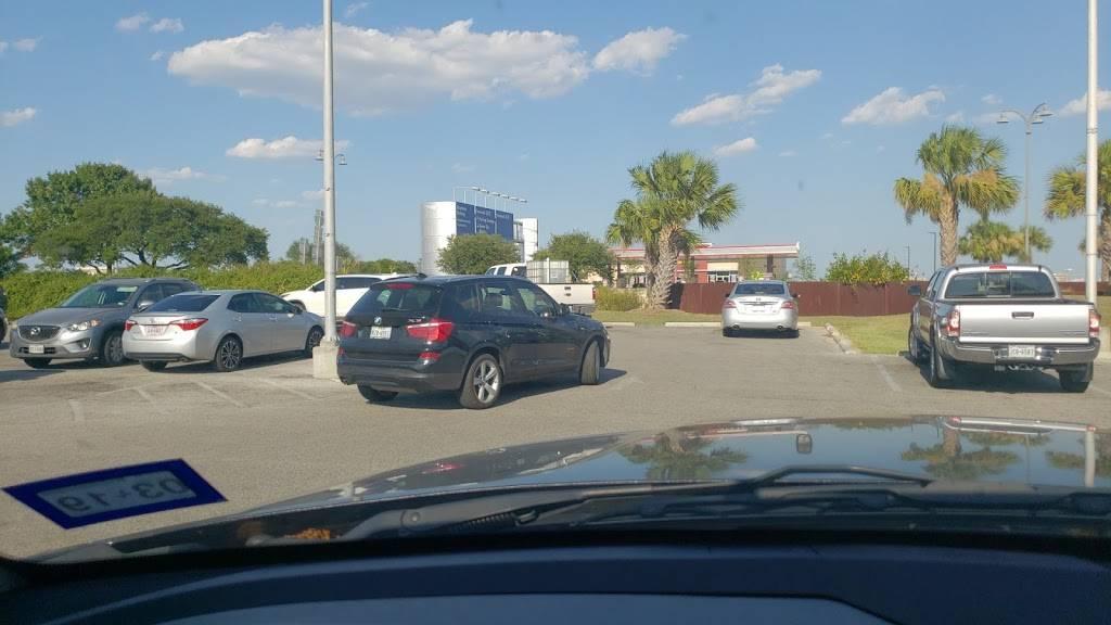 Cell Phone Waiting Lot - parking  | Photo 4 of 8 | Address: Airport Blvd, San Antonio, TX 78216, USA | Phone: (210) 207-3433