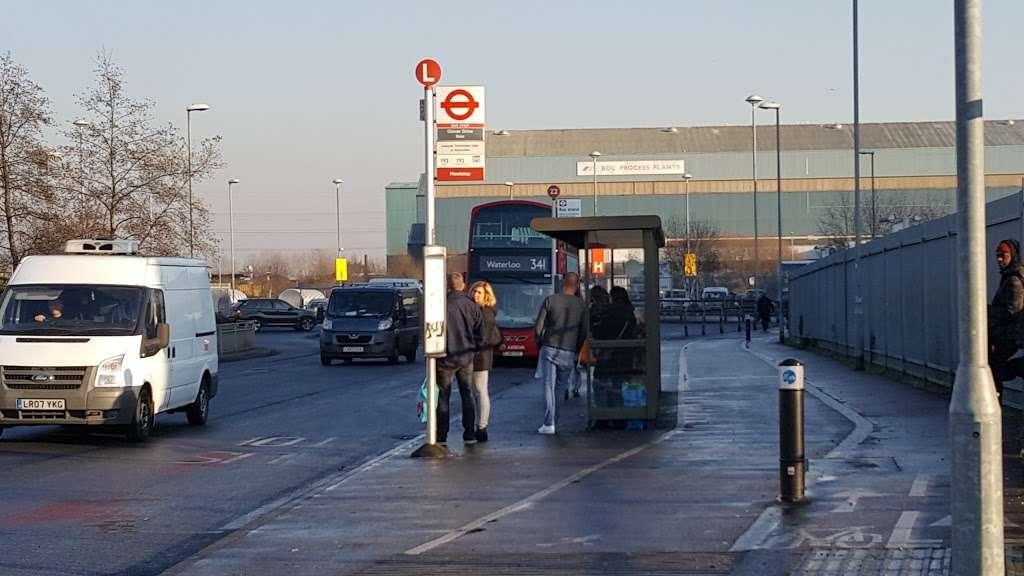 Glover Drive Ikea (Stop L) - bus station  | Photo 2 of 6 | Address: London N18 3HF, UK