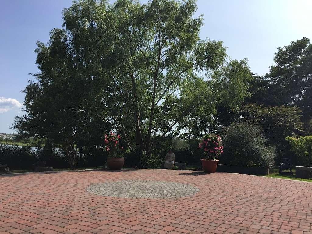 Sadhu Vaswani Meditation Garden - park  | Photo 7 of 10 | Address: 1200 Koelle Blvd, Secaucus, NJ 07094, USA