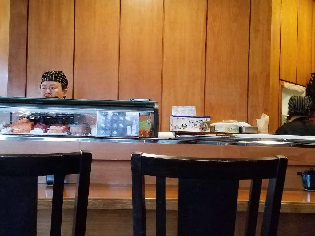 Sushi Cruise - restaurant    Photo 2 of 10   Address: 725 River Rd #51, Edgewater, NJ 07020, USA   Phone: (201) 313-3611
