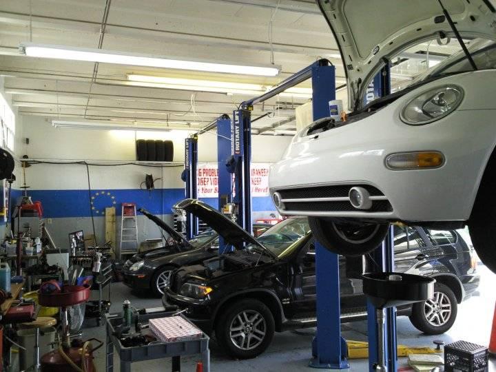 Fangios Car Clinic - car repair  | Photo 2 of 5 | Address: 195 Bird Rd, Coral Gables, FL 33146, USA | Phone: (305) 444-4449