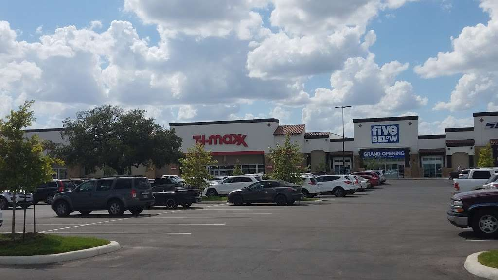 The Shops at Dove Creek - shopping mall    Photo 5 of 10   Address: 415 TX-1604 Loop, San Antonio, TX 78251, USA   Phone: (210) 660-3660
