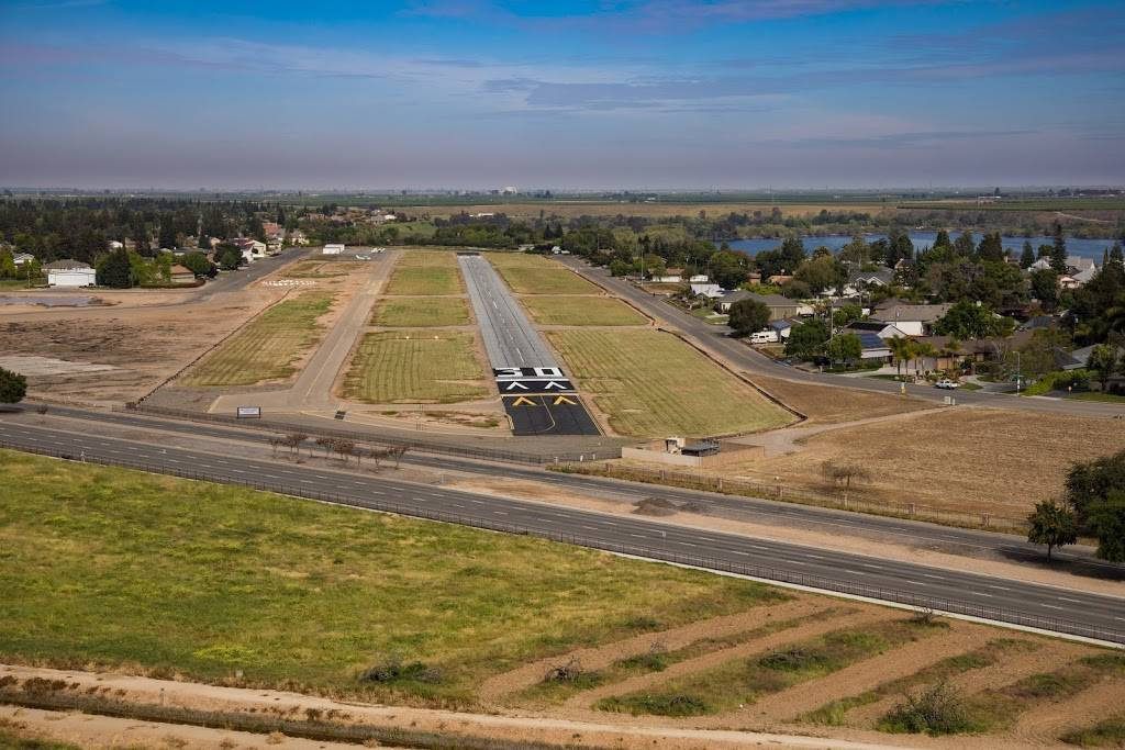 Sierra Sky Park Airport - airport  | Photo 1 of 1 | Address: 7398 N Doolittle Dr, Fresno, CA 93722, USA | Phone: (559) 436-2015