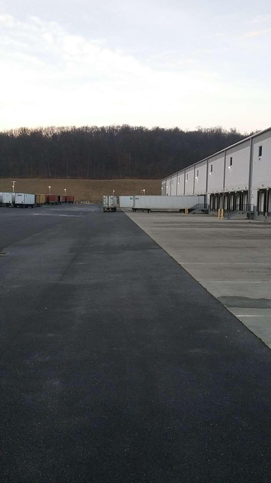 Samsung Distribution Center - storage  | Photo 2 of 3 | Address: 41 Martha Dr, Bethel, PA 19507, USA | Phone: (214) 959-5969