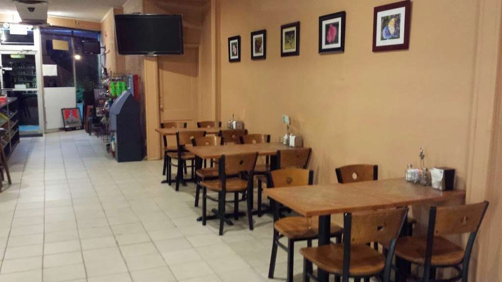 Ridgefield Park Deli & Grill - store  | Photo 1 of 7 | Address: 419 Main St, Ridgefield Park, NJ 07660, USA | Phone: (201) 853-9756