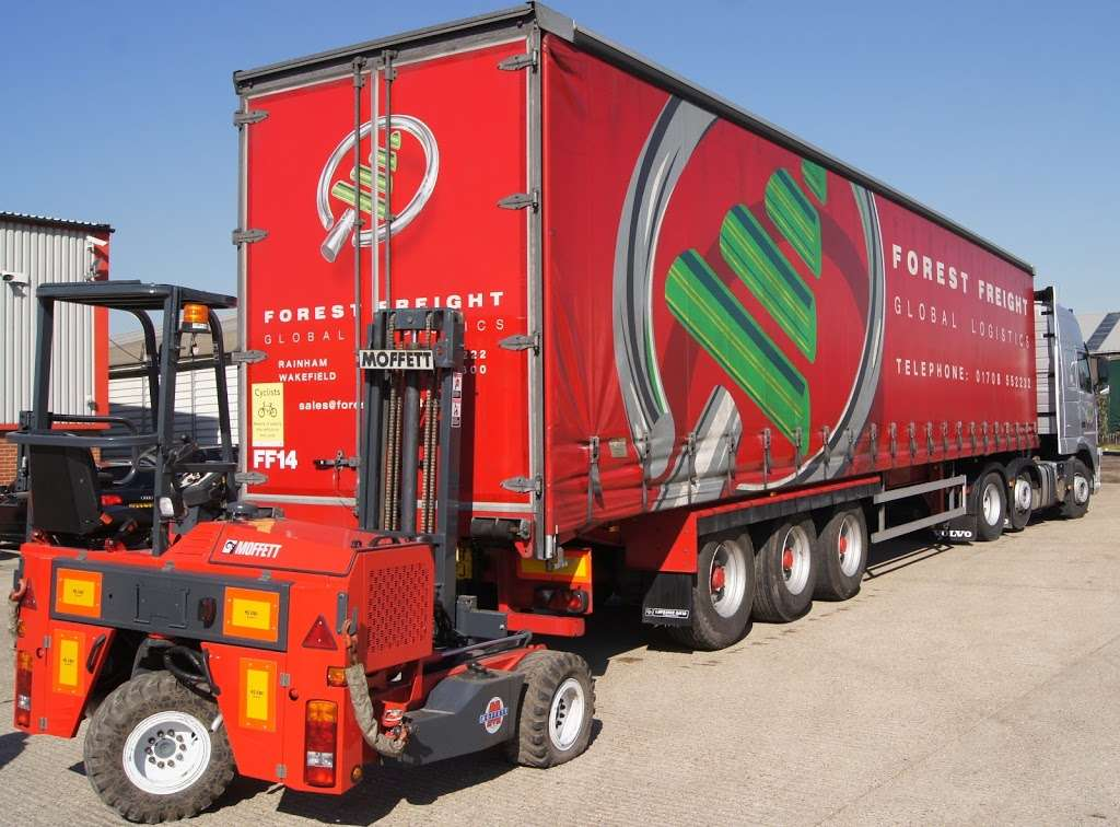 Forest Freight Ltd. - moving company    Photo 10 of 10   Address: Barlow Way South, Fairview Industrial Park, Rainham RM13 8UJ, UK   Phone: 01708 552222