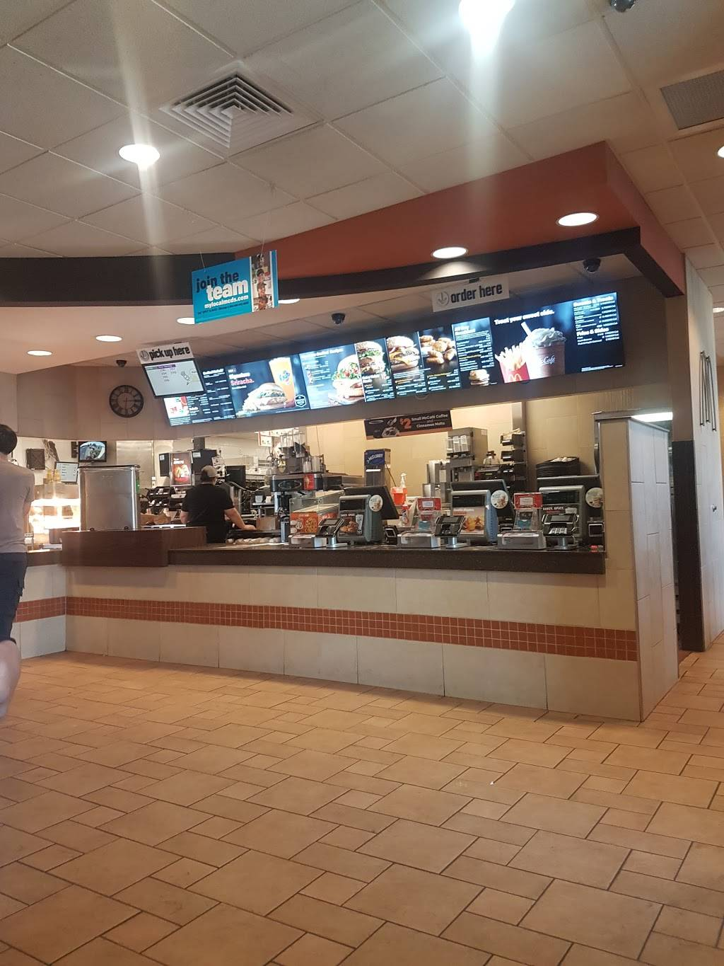 McDonalds - cafe  | Photo 3 of 8 | Address: 835 Lime City Rd, Rossford, OH 43460, USA | Phone: (419) 666-7575