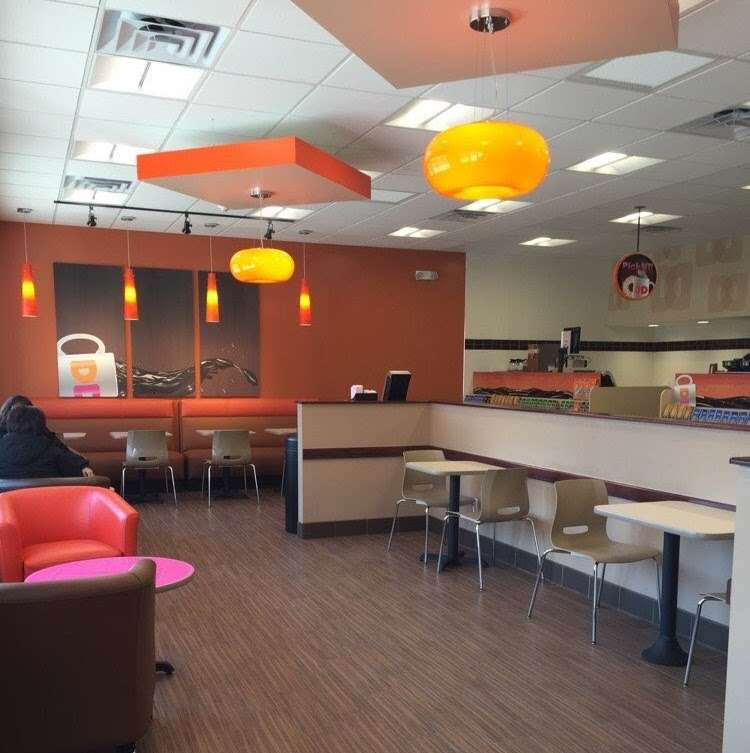 DUNKIN DONUTS - bakery  | Photo 3 of 7 | Address: 1400 S Main St, Belle Glade, FL 33430, USA | Phone: (772) 332-0499