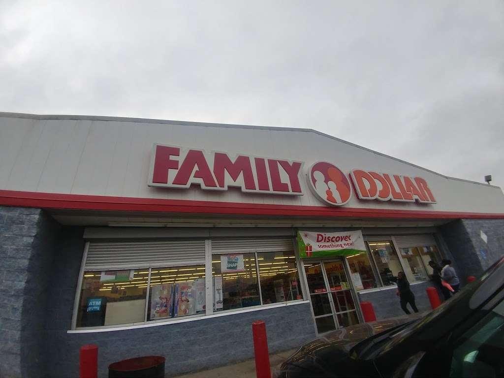 Family Dollar - supermarket  | Photo 4 of 10 | Address: 7500 Prospect Ave, Kansas City, MO 64132, USA | Phone: (816) 926-0885
