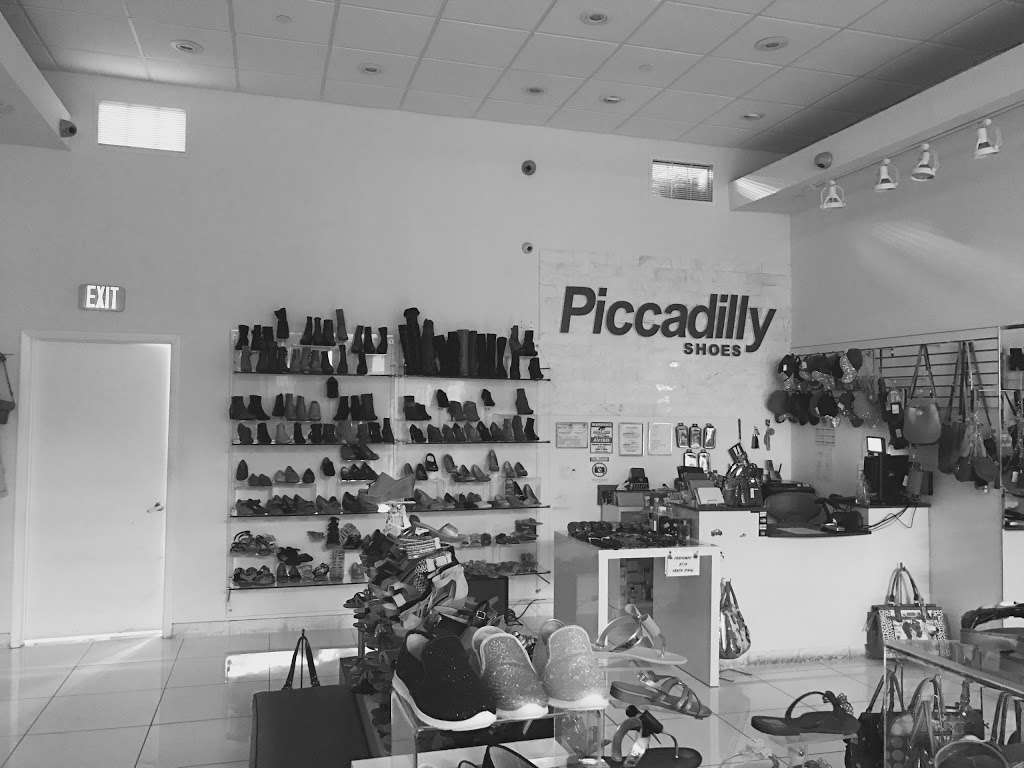 ISHOES STORE AT WESTLAND MALL, PICCADILLY AND BEIRA RIO SHOES - shoe store  | Photo 2 of 10 | Address: 1675 W 49th St, Hialeah, FL 33012, USA | Phone: (305) 819-2996