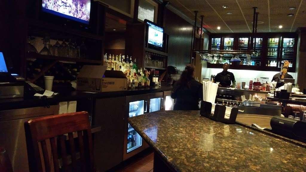 Red Lobster - restaurant  | Photo 2 of 10 | Address: 9140 E Roosevelt Blvd, Philadelphia, PA 19115, USA | Phone: (215) 673-5750