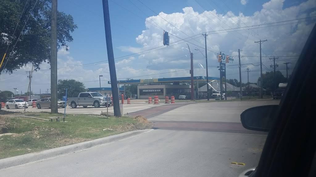 Valero Corner Store - convenience store  | Photo 3 of 3 | Address: 9033 Benbrook Blvd, Benbrook, TX 76126, USA | Phone: (817) 249-6364