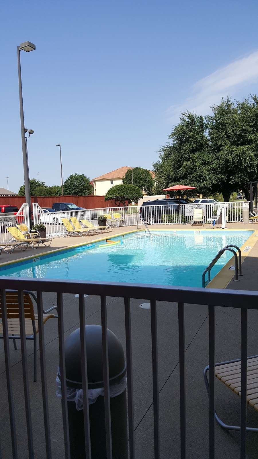 Fairfield Inn & Suites by Marriott Dallas DFW Airport North/Irvi - lodging  | Photo 2 of 9 | Address: 4800 W John Carpenter Fwy, Irving, TX 75063, USA | Phone: (972) 929-7257