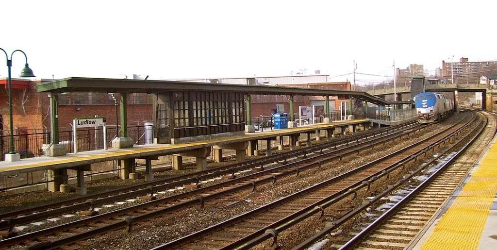 Ludlow - train station    Photo 4 of 10   Address: Yonkers, NY 10705, USA