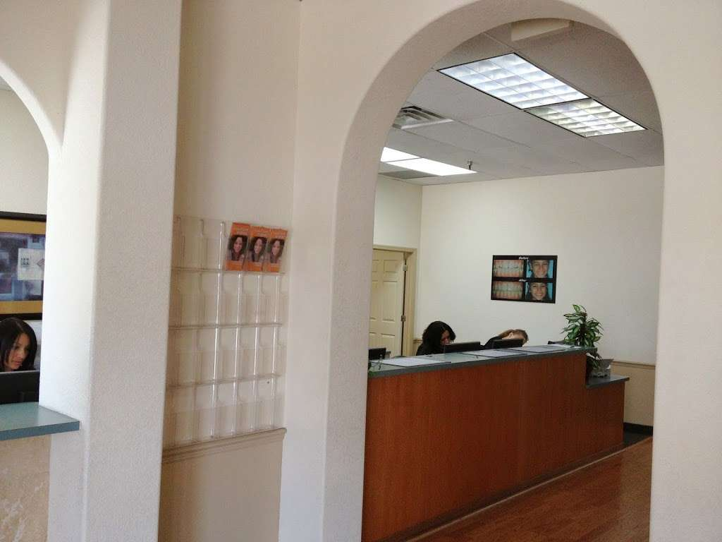 Greenberg Dental and Orthodontics - dentist    Photo 2 of 7   Address: 7319 W Colonial Dr, Orlando, FL 32818, USA   Phone: (407) 294-9200