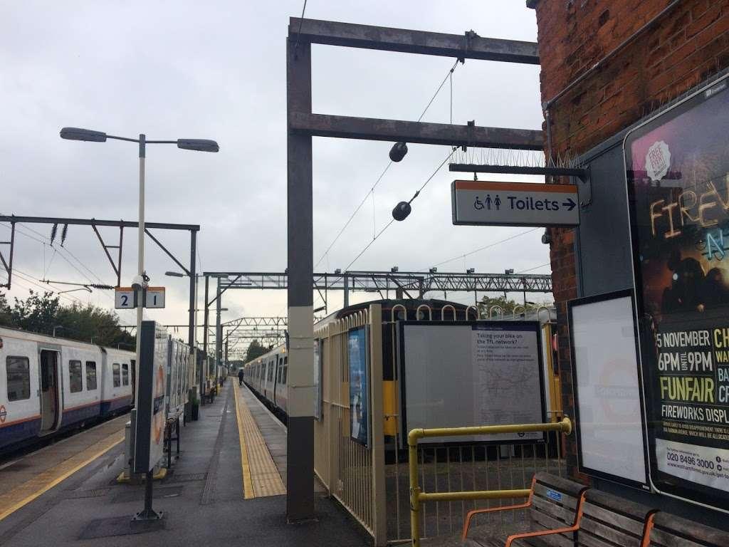 Chingford - train station  | Photo 7 of 10 | Address: London E4 6AL, UK