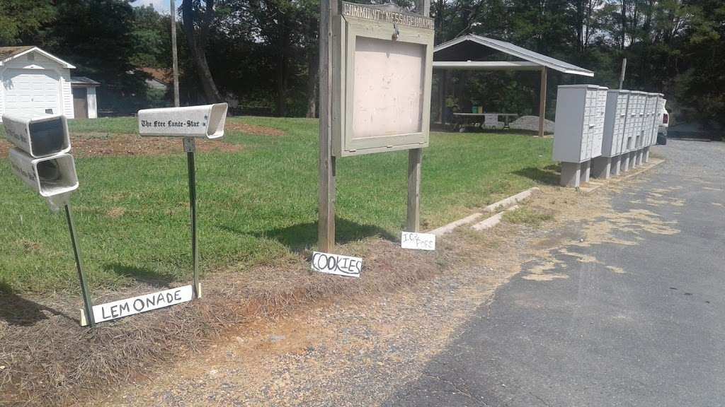 Hidden Lake Pavilion - park  | Photo 3 of 10 | Address: 17-, 21 Hidden Lake Dr, Stafford, VA 22556, USA