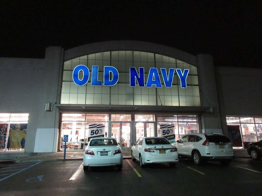 Old Navy - clothing store  | Photo 5 of 10 | Address: 139-15 20th Ave, College Point, NY 11356, USA | Phone: (718) 461-6986