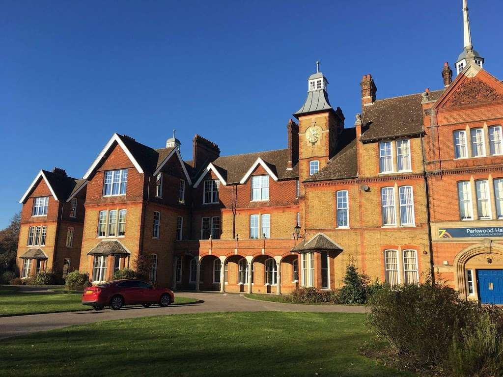 Parkwood Hall Co-operative Academy - school  | Photo 1 of 5 | Address: Beechenlea Ln, Swanley BR8 8DR, UK | Phone: 01322 664441