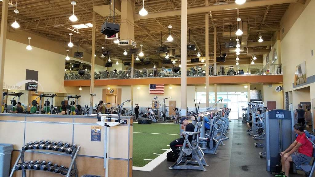 24 Hour Fitness Sport - gym  | Photo 3 of 10 | Address: 21560 Valley Blvd, City of Industry, CA 91789, USA | Phone: (909) 978-6046