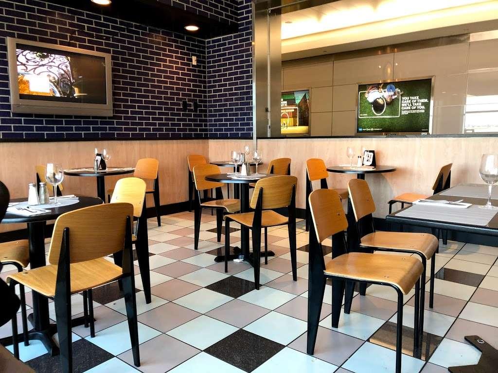 Sorrentine - restaurant  | Photo 1 of 7 | Address: LaGuardia Airport (LGA), Terminal B, East Elmhurst, NY 11371, USA | Phone: (646) 389-5394