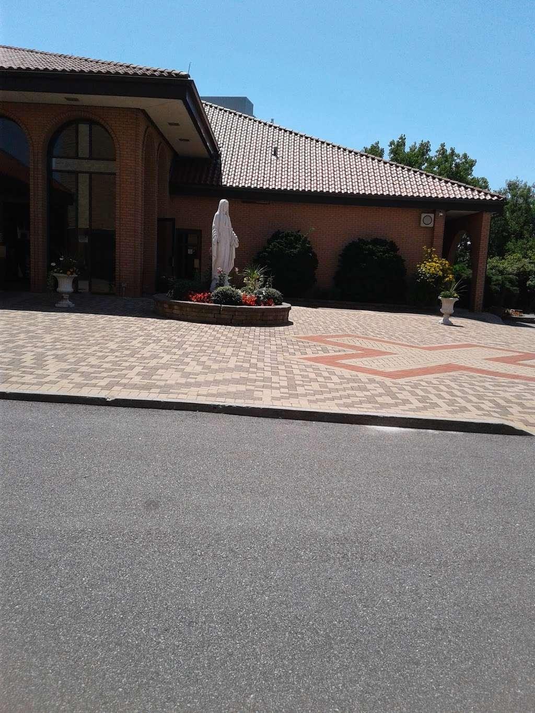 Holy Trinity Roman Cath Church - church  | Photo 5 of 10 | Address: 14-51 143rd St, Whitestone, NY 11357, USA | Phone: (718) 746-7730