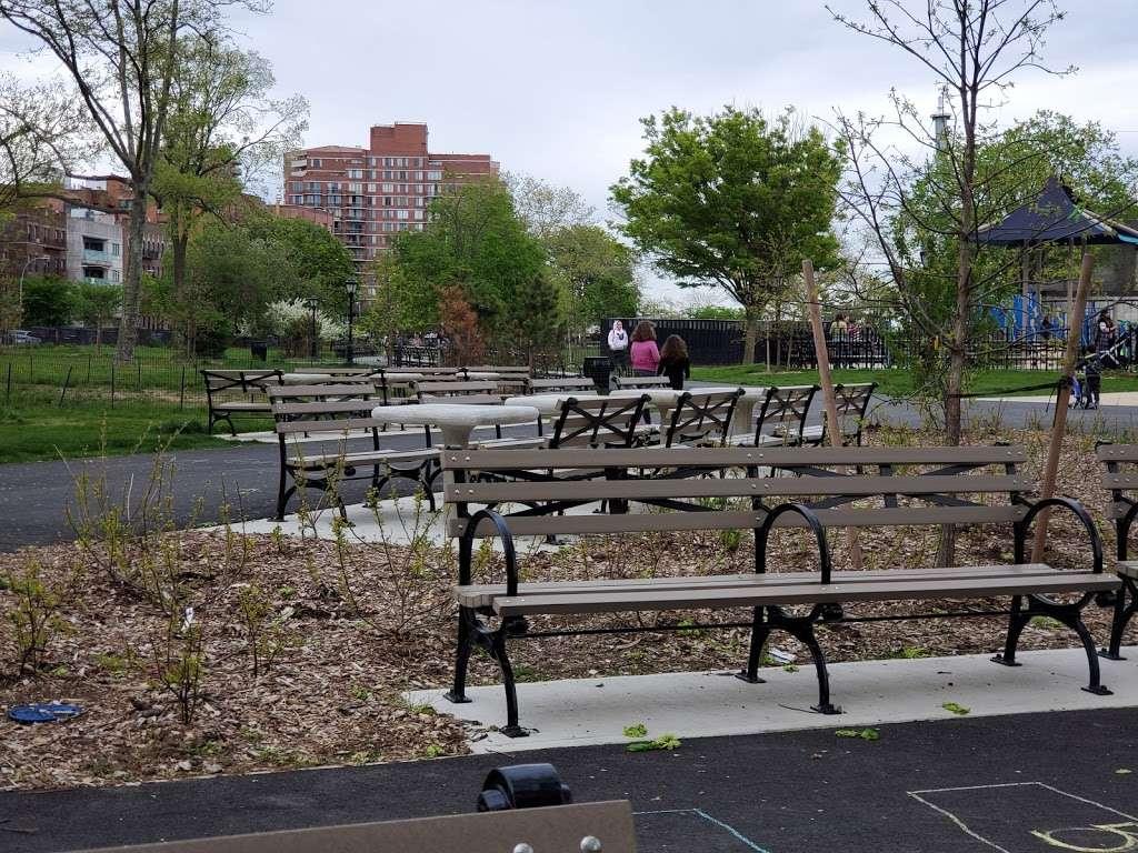 Asser Levy Park - park  | Photo 7 of 10 | Address: 302 Sea Breeze Ave, Brooklyn, NY 11224, USA | Phone: (212) 639-9675