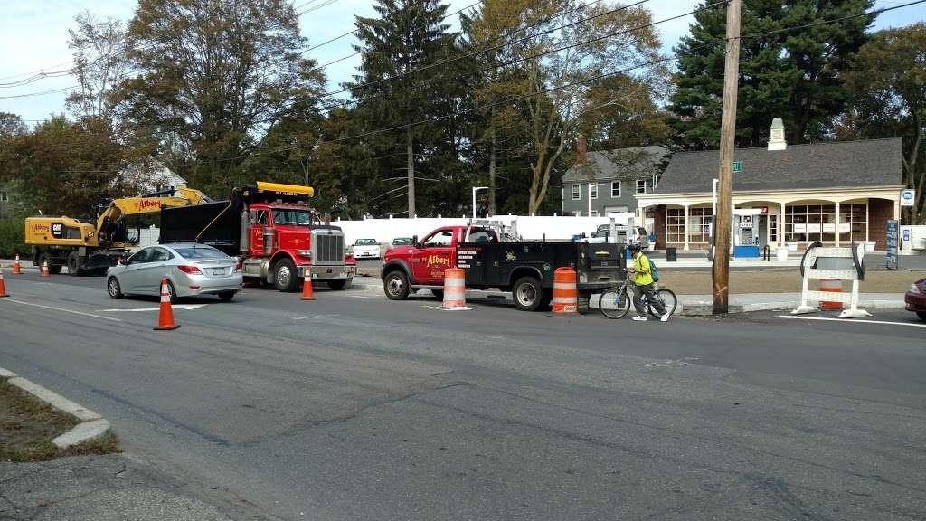 United - gas station  | Photo 1 of 3 | Address: 1095 Massachusetts Ave, Lexington, MA 02420, USA | Phone: (781) 862-8860