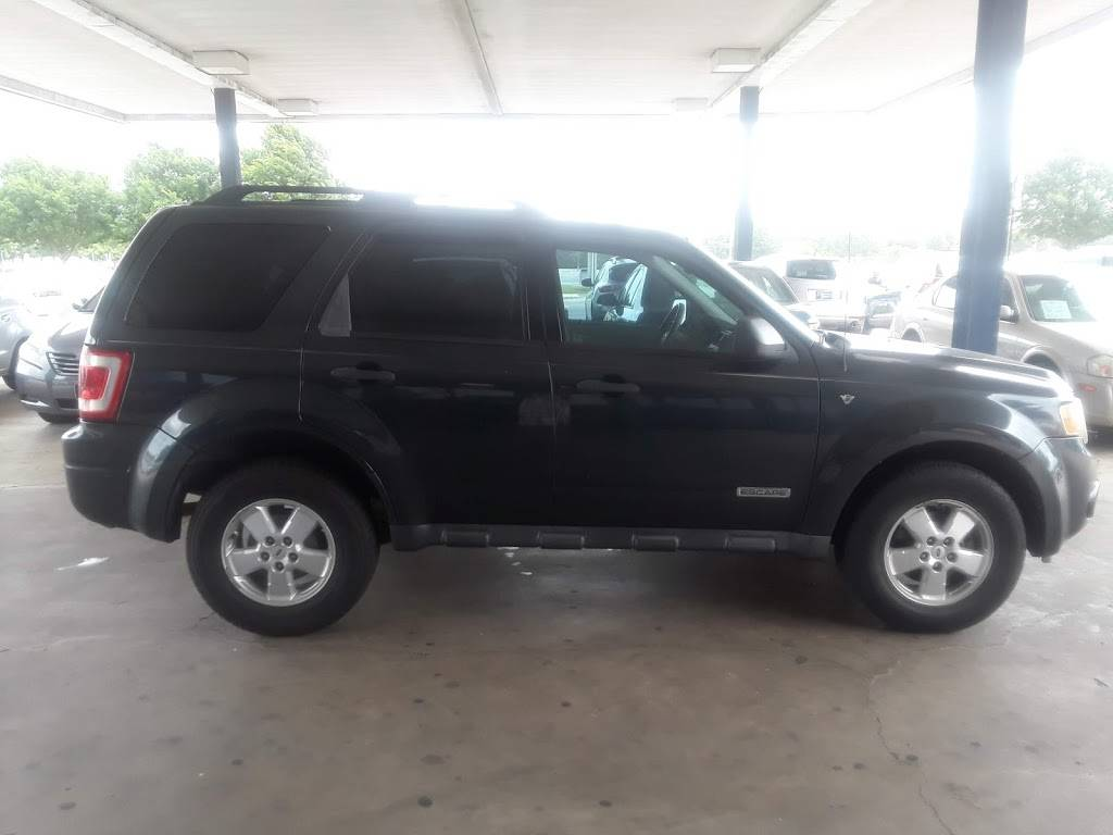 Discount Motors 2 - car dealer  | Photo 5 of 10 | Address: 620 N Collins St, Arlington, TX 76011, USA | Phone: (817) 461-2424