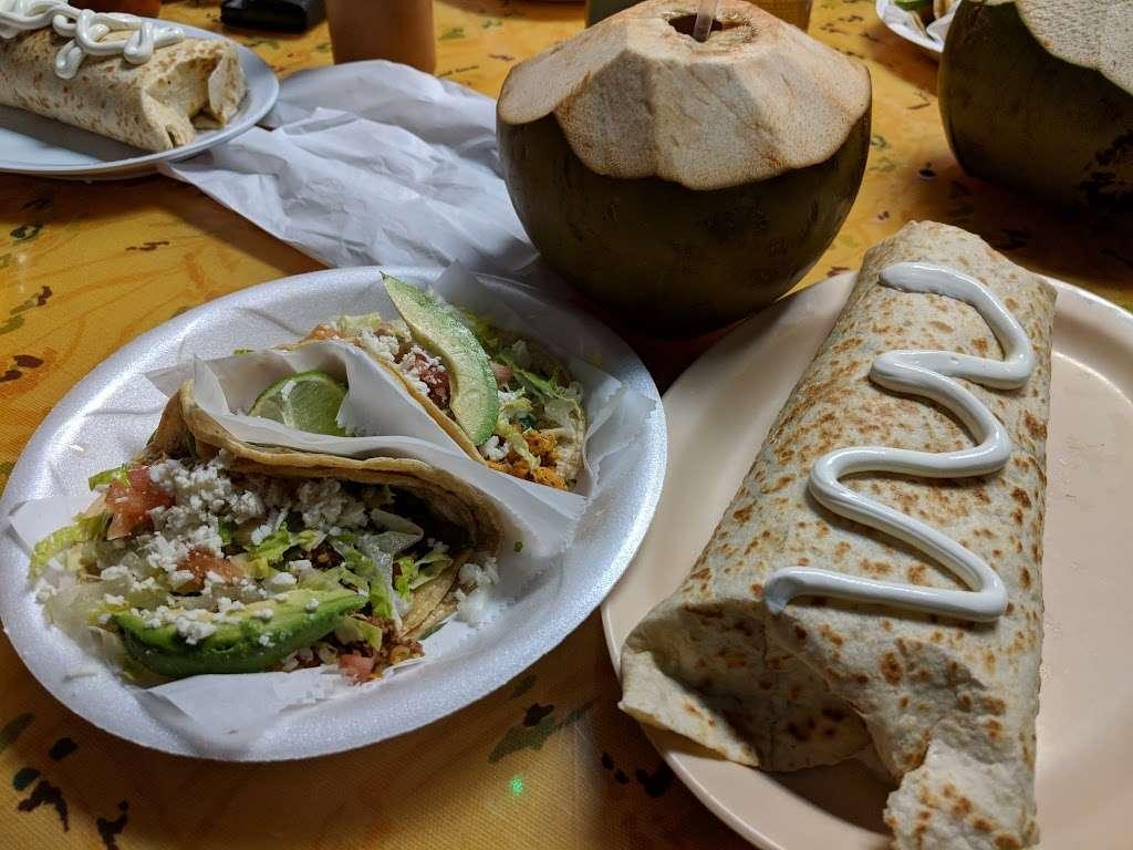El Pueblo Mexican restaurant - restaurant  | Photo 8 of 10 | Address: 7124 Aloma Ave, Winter Park, FL 32792, USA | Phone: (407) 677-5534