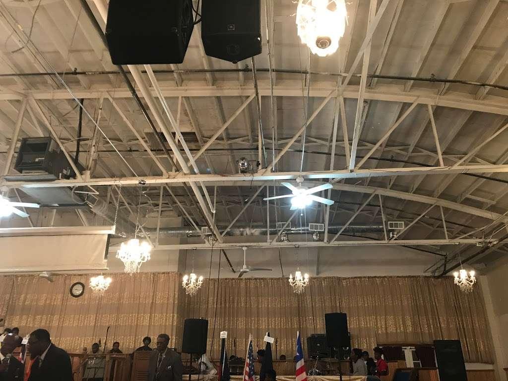 Antioch Road to Glory International Ministries - church  | Photo 5 of 10 | Address: 3746 N Davidson St, Charlotte, NC 28205, USA