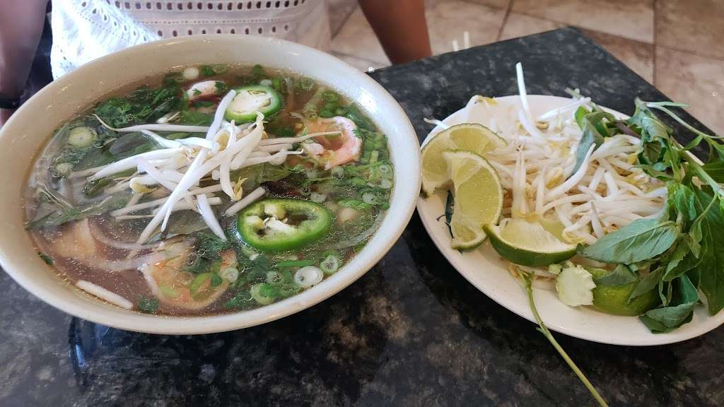 New Pho 999 - restaurant  | Photo 2 of 10 | Address: 12905 Sherman Way, North Hollywood, CA 91605, USA | Phone: (818) 982-9370