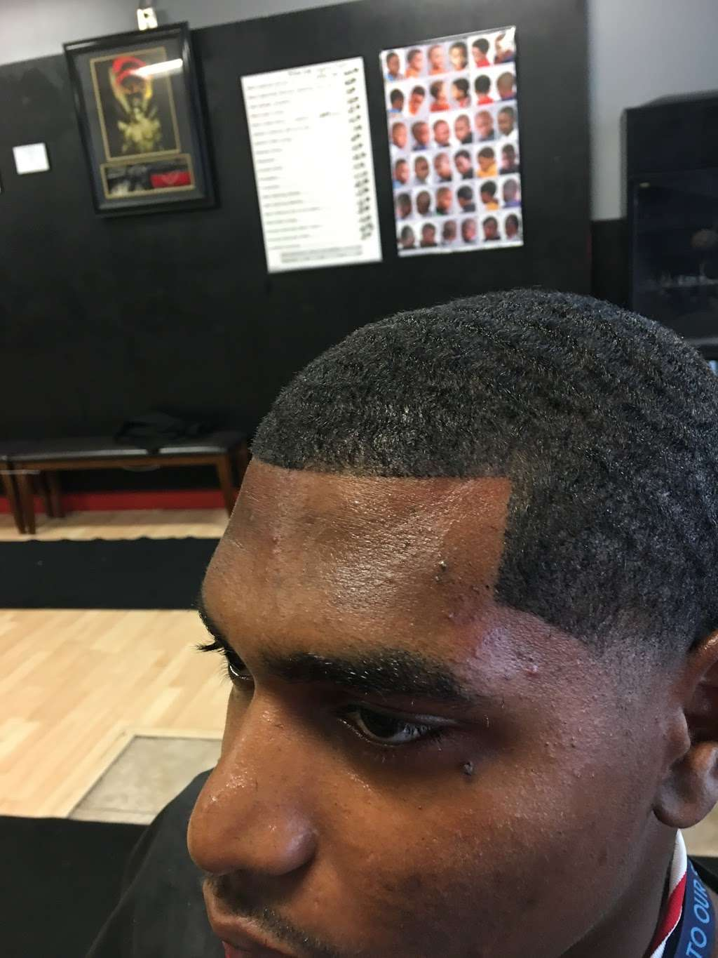 Hair Mechanx Barber & Beauty Salon LLC - hair care  | Photo 4 of 10 | Address: 8716 E 21st St, Indianapolis, IN 46219, USA | Phone: (317) 572-0340