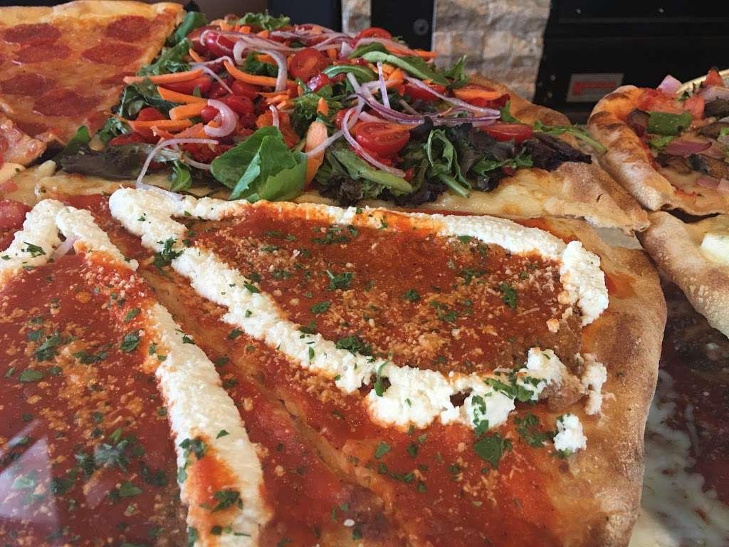 Master Pizza Carlstadt N.J. - meal delivery  | Photo 4 of 10 | Address: 401 Hackensack St, Carlstadt, NJ 07072, USA | Phone: (201) 903-0050