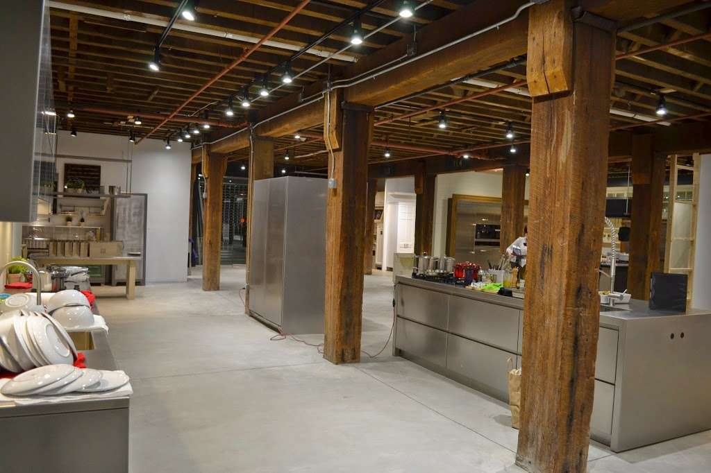 Dutch Kitchen Center - furniture store  | Photo 2 of 10 | Address: 481 Van Brunt St, Brooklyn, NY 11231, USA | Phone: (718) 522-4555
