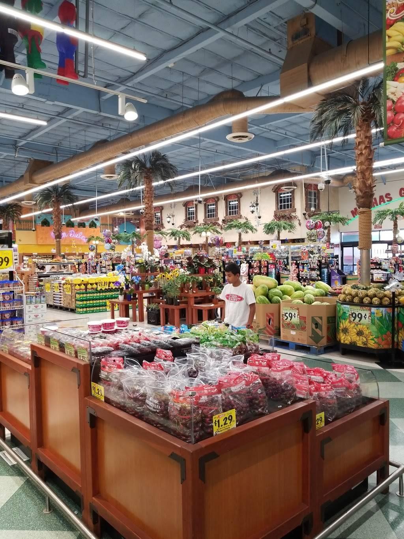 Vallarta Supermarkets - supermarket  | Photo 2 of 10 | Address: 5951 Niles St, Bakersfield, CA 93306, USA | Phone: (661) 366-4916